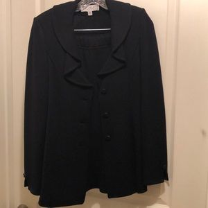 St. John Black Suit 4 excellent condition